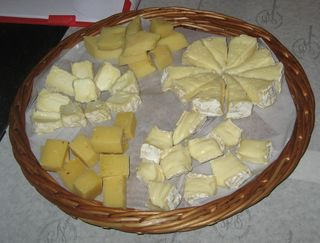 Vive Le Cheese (2)