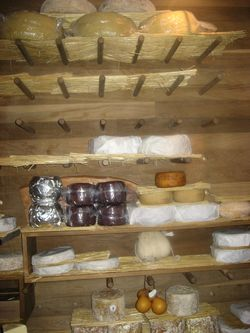 Vive Le Cheese Affineur Room (3)